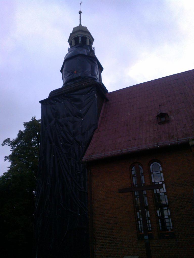 Gazowanie kościoła - foliowanie
